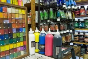 Les pigments entrent aussi dans la fabrication des peintures industrielles.