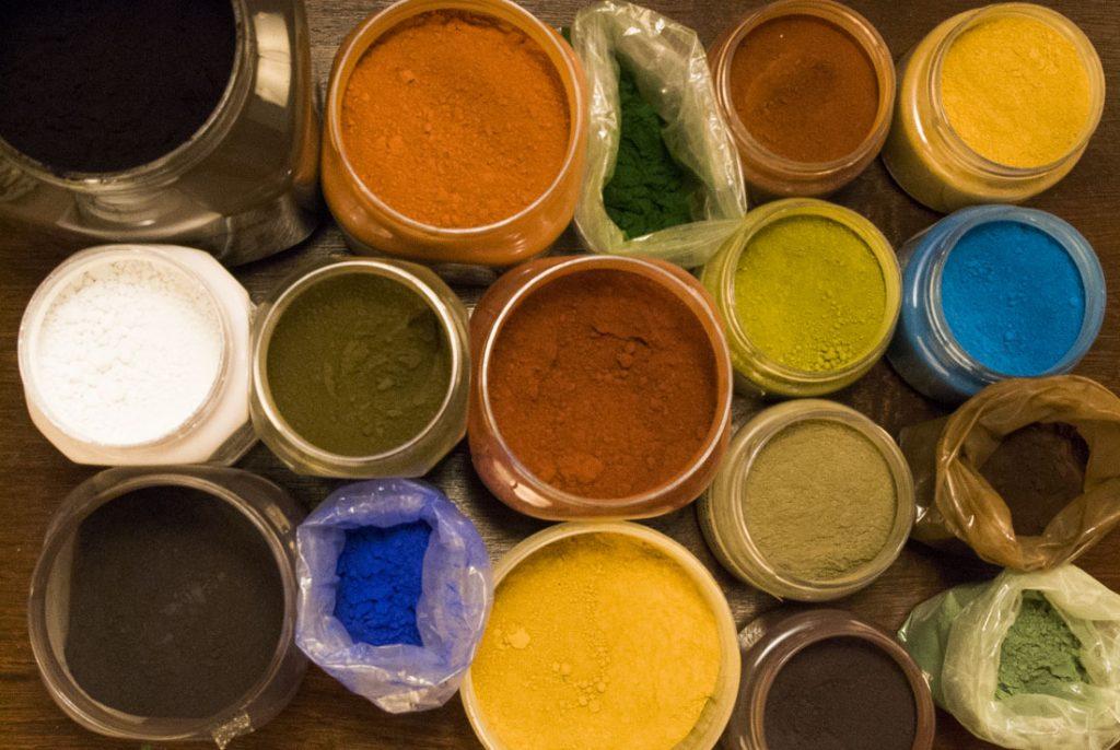 Pigments naturels pour peinture maison
